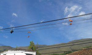 Scarpe sul filo