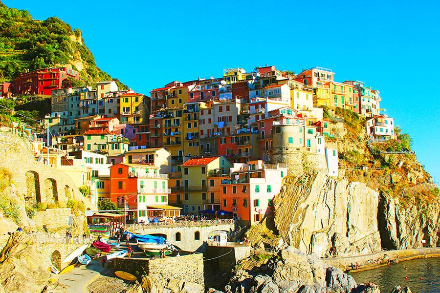 Idee per il cambiamento, il paese di Manarola, Cinque Terre Liguria