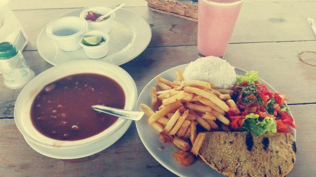almuerzo-pranzo-tipico-colombiano
