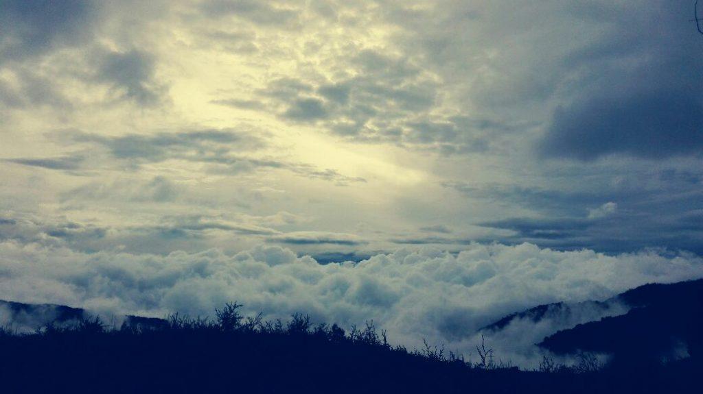 paesaggio-con-nuvole-alto-de-letras-colombia