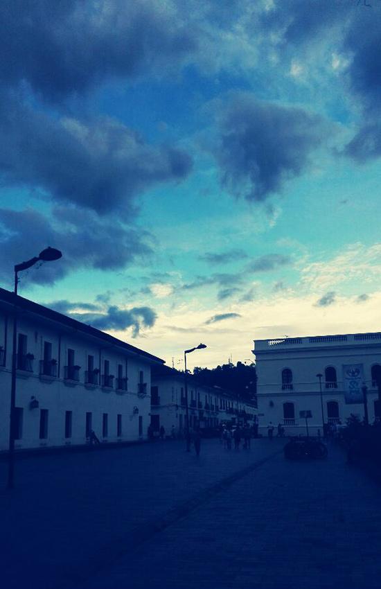 cielo-al-tramonto-azzurro-sud-america