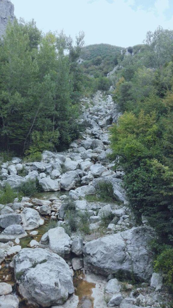 letto-del-fiume-roccalbegna.jpg