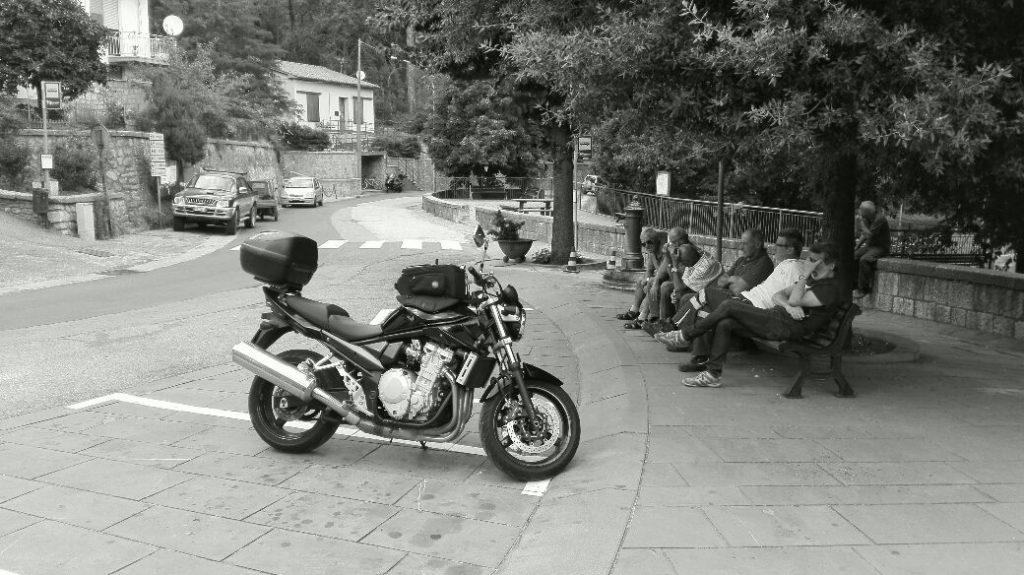 moto-bianco-e-nero.jpg