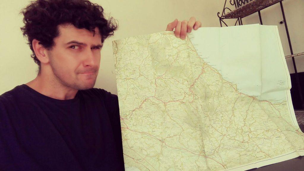 pianificare-viaggio-con-mappa.jpg