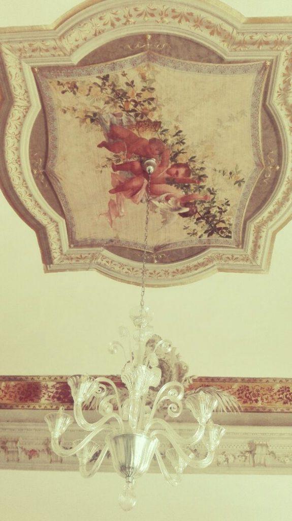 scanno-dove-alloggiare-soffitto-decorato-bb.jpg.jpeg