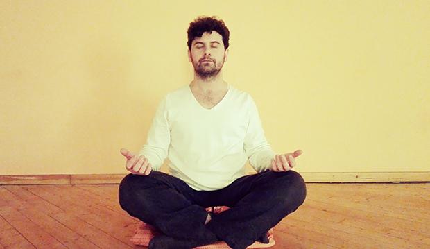 Meditazione a gambe incrociate