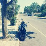 Maria, la moto, in attesa di ripartire