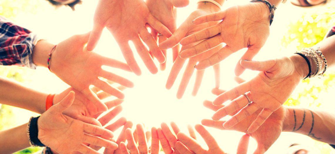 auto guarigione cerchio di mani